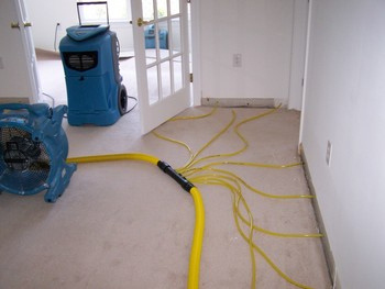 Emergency Water Extraction - Water Damage Restoration